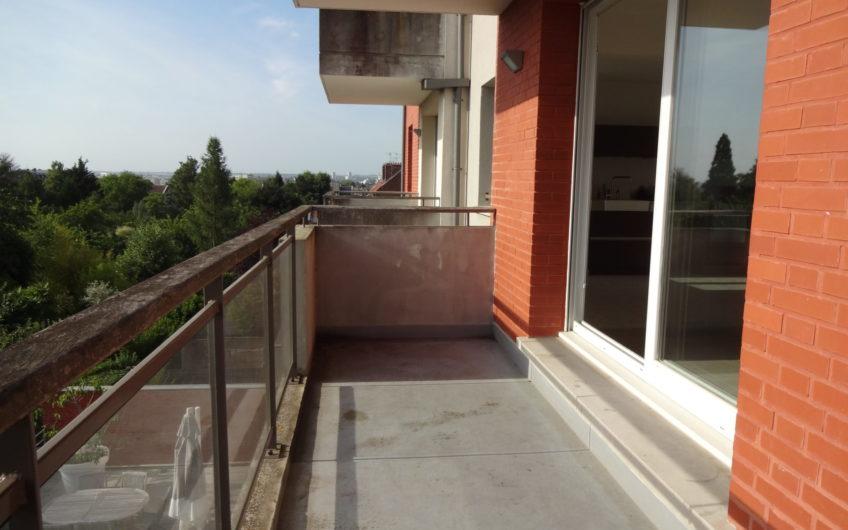 Henriville, T3 avec balcon et parking,