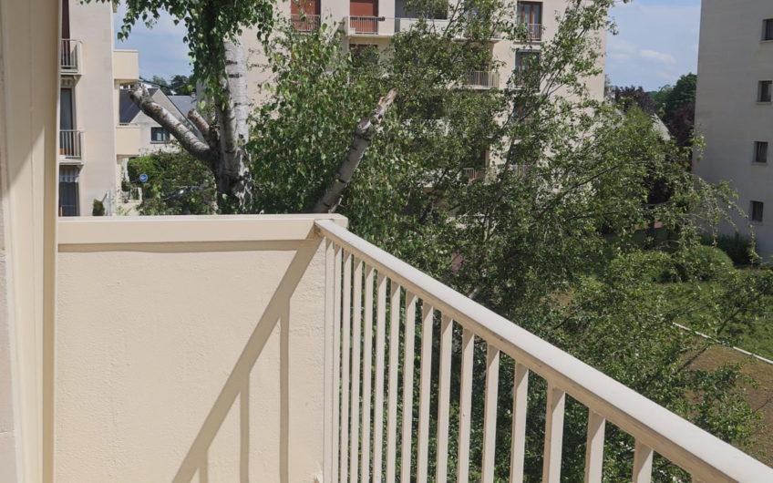 T3 avec balcons et ascenseur proche Sagebien